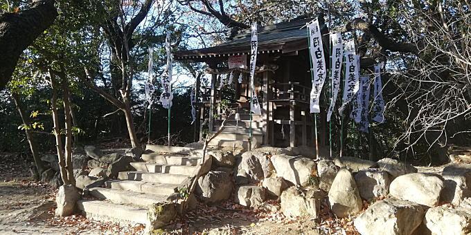 羽白美衣龍神社(牧野が池公園内)